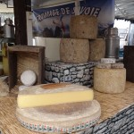 Place Guillaume II - farmers market - cheese stand