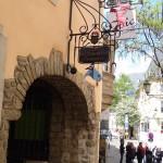 entrance to the Passage Du Palais