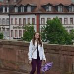 walking across the Alte Brücke
